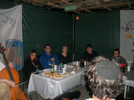 KU Students in the Sukkah